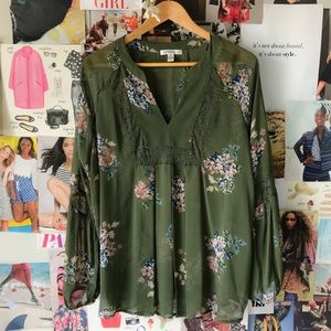 Johnpaulrichard Floral Blouse